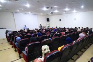 """Fakültemiz Öğretim Elemanından Yüz Yüze Eğitim Gören Öğrencilerimize """"Üniversiteye Uyum"""" Konferansı"""